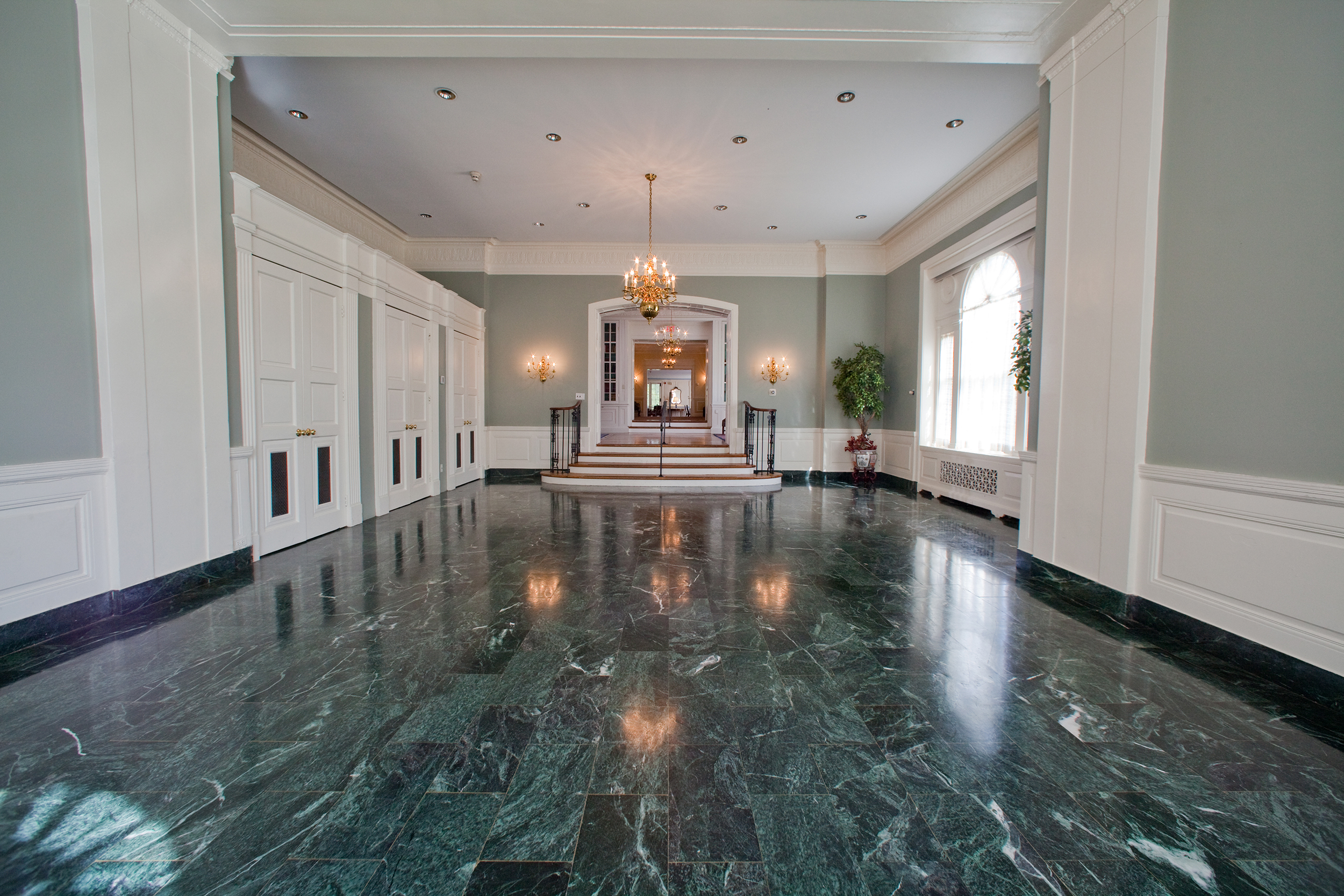 Conservatory Hall at Glenview Mansion